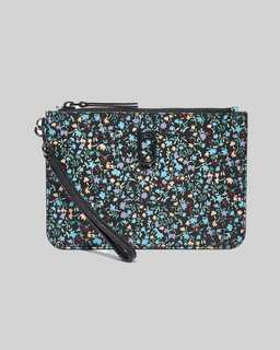 마크 바이 마크 제이콥스 Marc Jacobs The Softshot Ditsy Floral Wristlet,Black Multi
