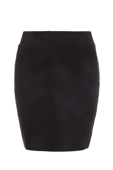 Falda Negra Elástica y Corta