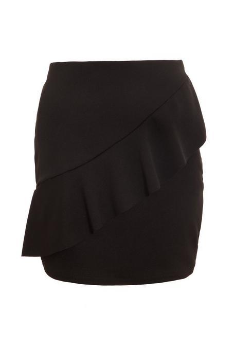Falda Negra de Crepé con Volante Delante