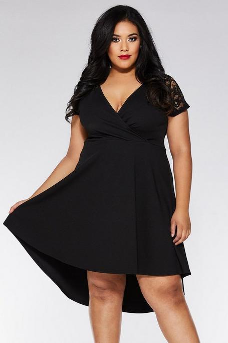 Vestido Curve Negro con Mangas de Encaje
