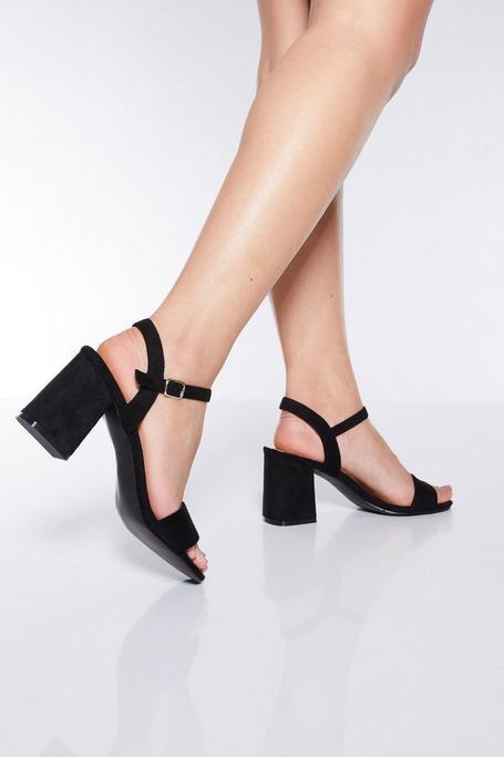 Sandalias Negras de Tacón en Bloque