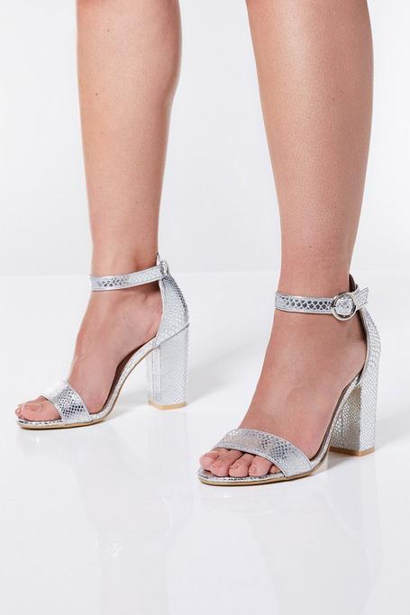 Sandalias de Tacón Plateado Metalizado con Estampado de Serpiente