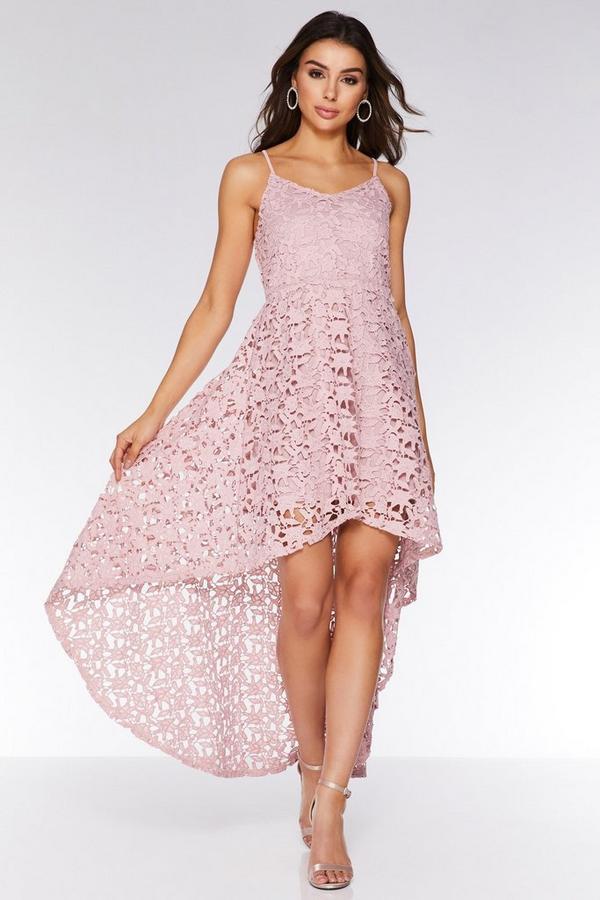Vestido Rosa de Encaje con Bajo Asimétrico