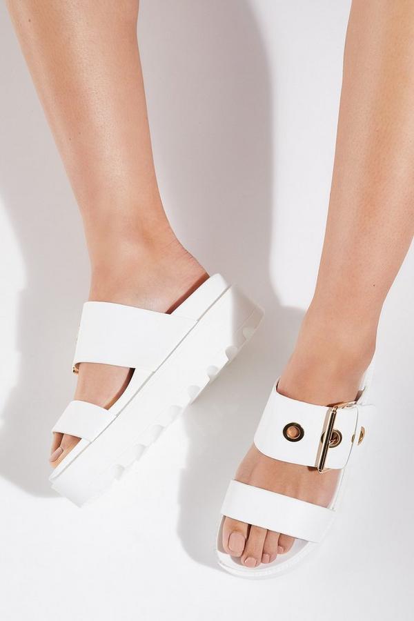Sandalias Blancas de Plataforma con Tira de Hebilla
