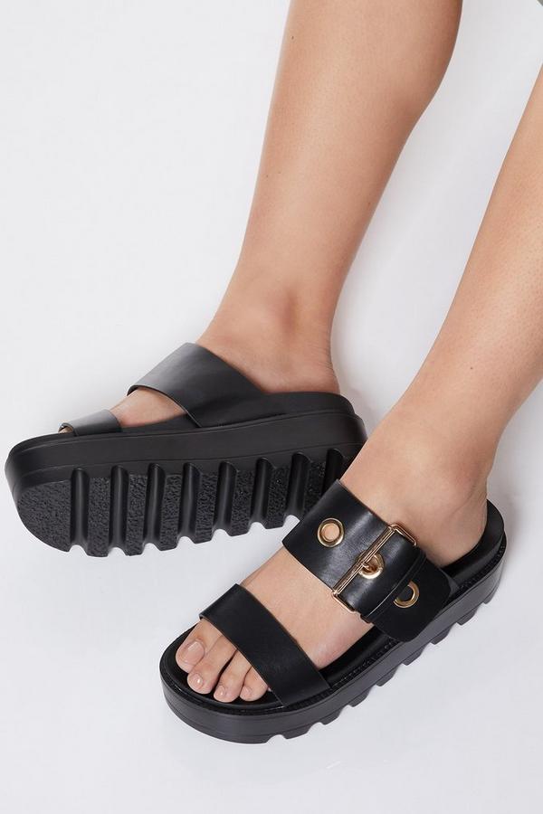Sandalias Negras de Plataforma con Tira de Hebilla