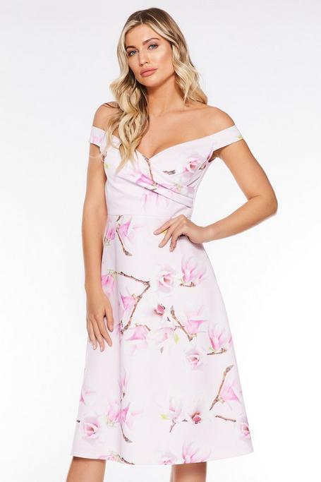 Vestido Midi Rosa y Lila con Estampado Floral y Escote Bardot