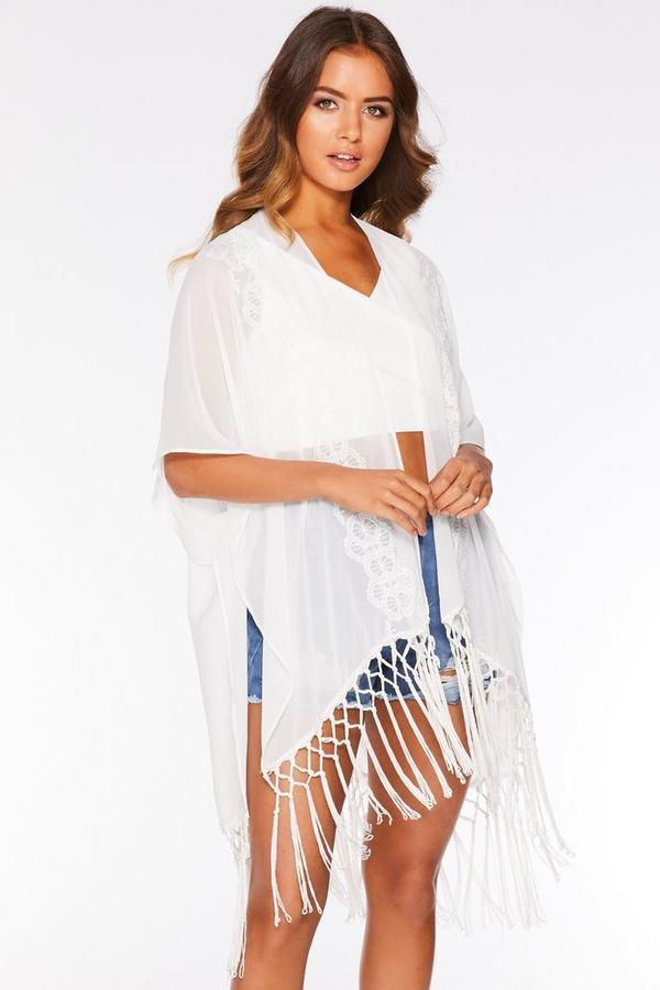 Kimono Blanco con Bordados y Flecos