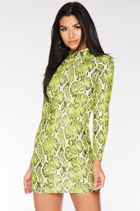 Vestido Corto Verde Neón con Estampado de Serpiente y Manga Larga