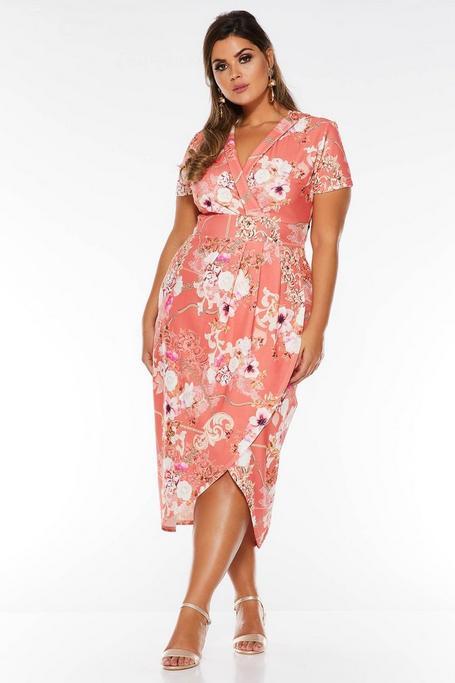 Vestido Curve Coral con Estampado Floral y Manga Corta