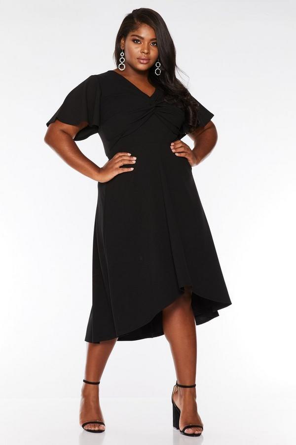 Vestido Curve Negro con Bajo Asimétrico
