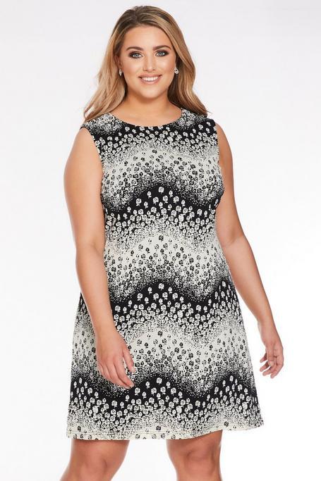 Plus Size White And Black Floral Sleeveless Midi Dress