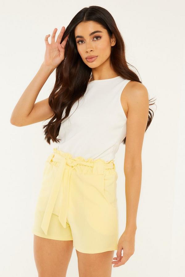 Shorts Amarillo con Cinturón