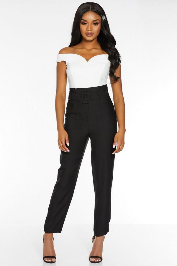 Pantalón Petite Negro con Pernera Ajustada y Cintura Alta