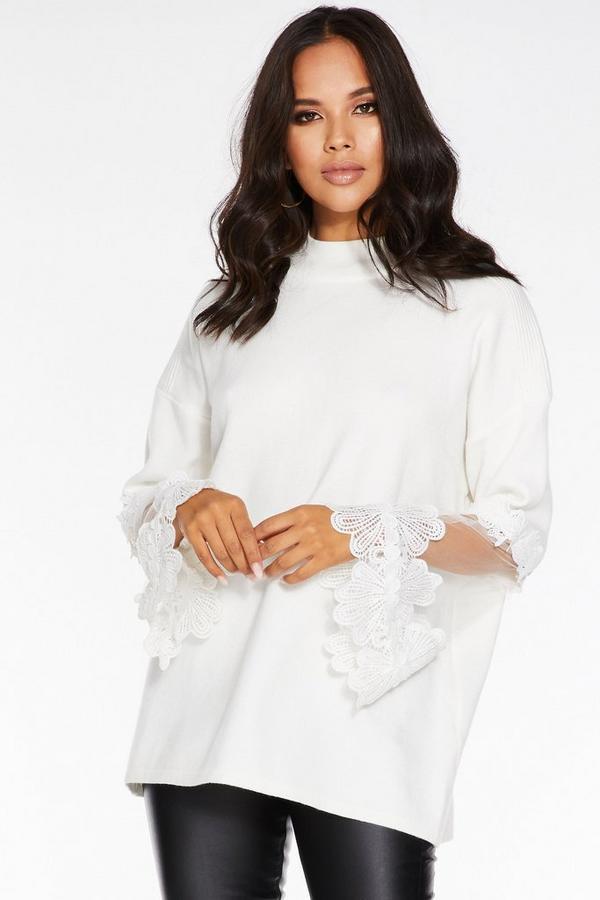 Jersey Blanco con Detalle de Ganchillo y Malla