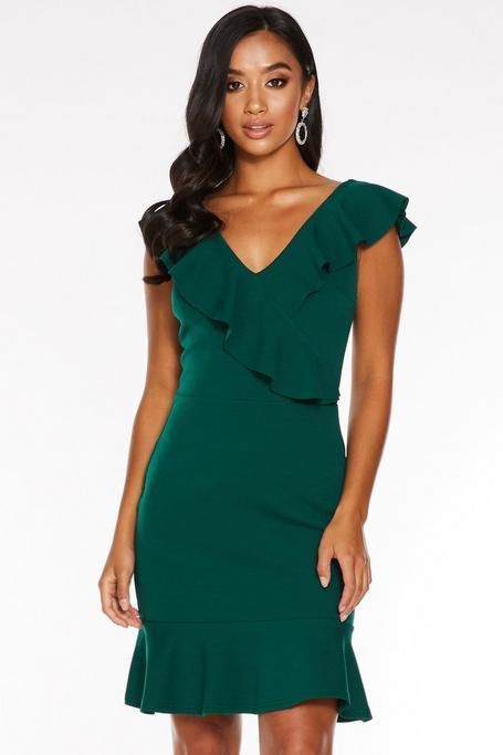 Vestido Petite Ajustado Verde con Volantes