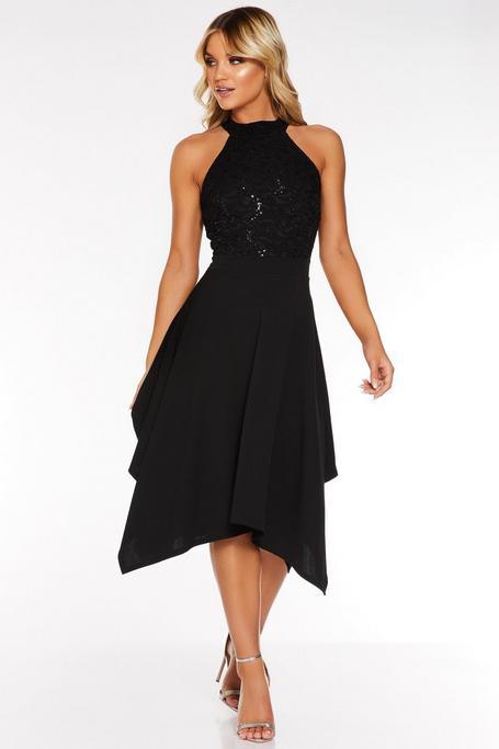 Vestido Negro con Bajo Asimétrico, Encaje y Lentejuelas