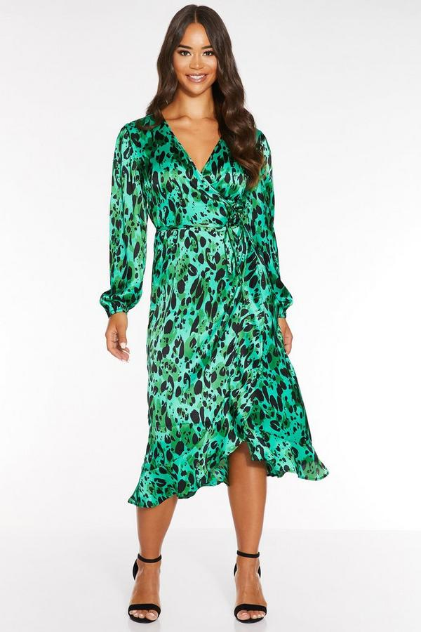 Vestido Verde Satinado con Estampado de Leopardo
