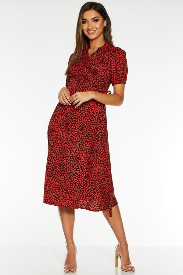 Vestido Midi Rojo con Estampado de Corazones