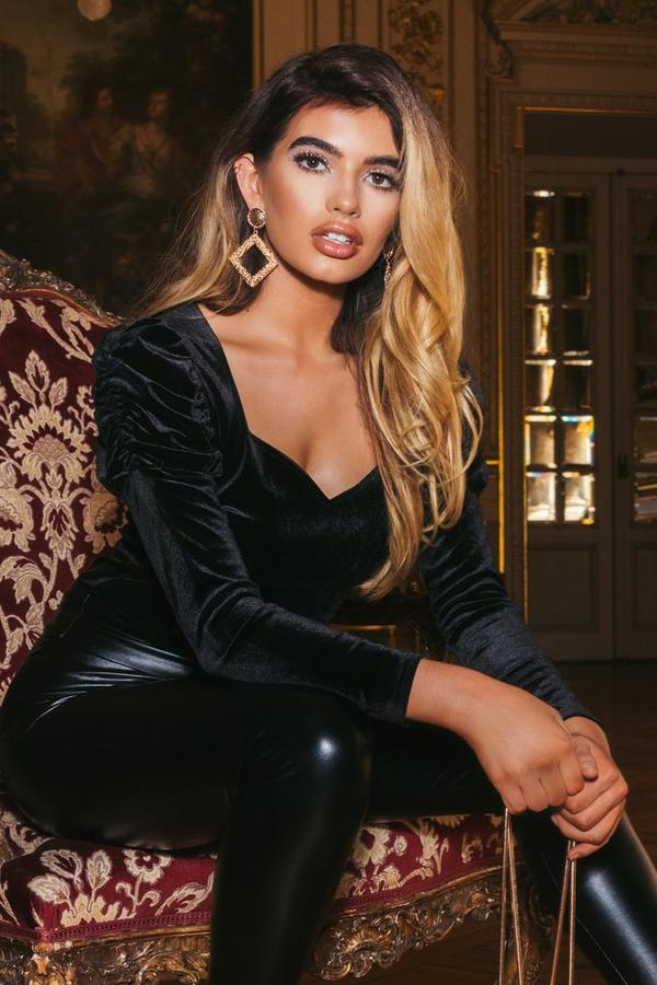 Sam Faiers Black Velvet Puff Sleeve Sweetheart Bodysuit