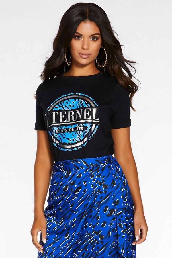 Camiseta Negra y Azul con Eslogan