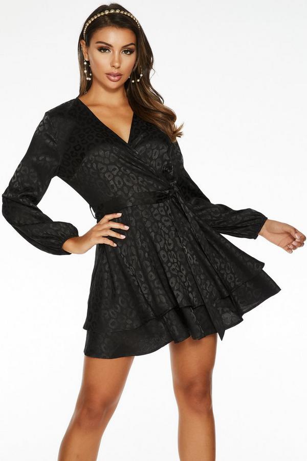 Vestido Negro Satinado con Estampado de Leopardo
