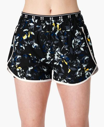 On Your Marks Laufshorts 10 cm, Blue Floral Flow Print | Sweaty Betty