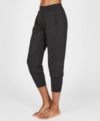 Garudasana Cropped Sweatpants, Black | Sweaty Betty