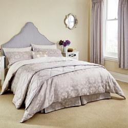 Quatrefoil Coordinated Bedding Lilac