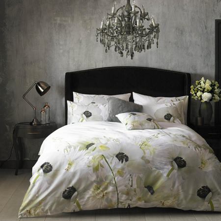 Pearly Petal Co-ordinated bedding Silver