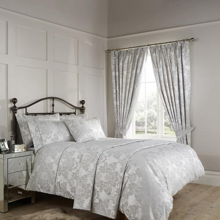 Amalfi Coordinated Bedding Set Silver