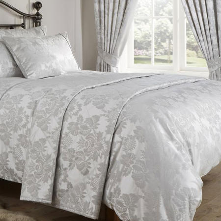Amalfi Co-Ordinated Throw Silver