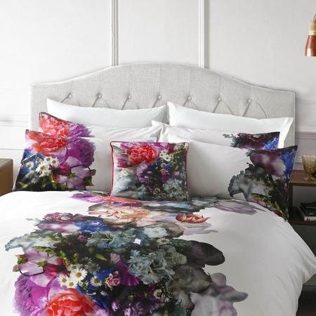 Focus Bouquet Standard Pillowcase