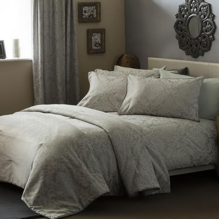 Bromley Coordinated Bedding Set White