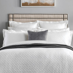 Otterson White Coordinated Bedding