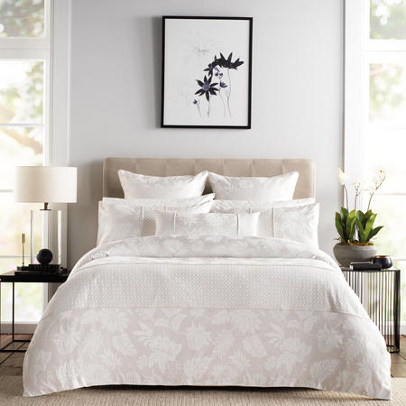 Angelis Coordinated Bedding Set Cream