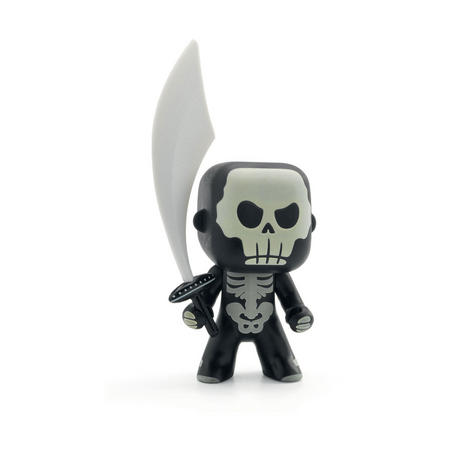 Skully Arty Toy Figure