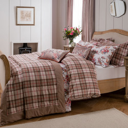 Wallace Coordinated Bedding Set Cream