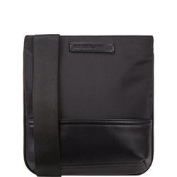 Omnia Messenger Bag