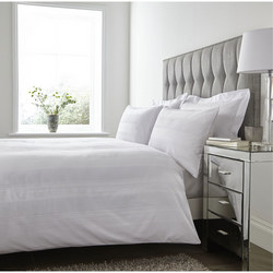 Mayfair 200 Thread Count Duvet Set White