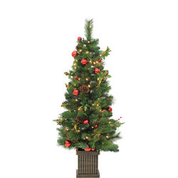 Pre-Lit Norway Pine Potted Tree 4.5 Ft