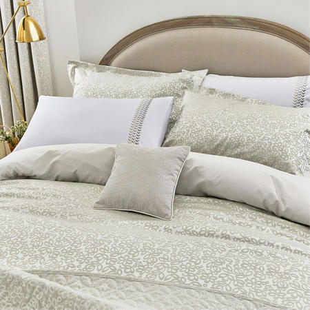 Laurel Cushion Linen