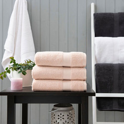 Poloma 750 Gsm Towel Blush