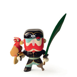Sam Parrot Arty Toy Figure