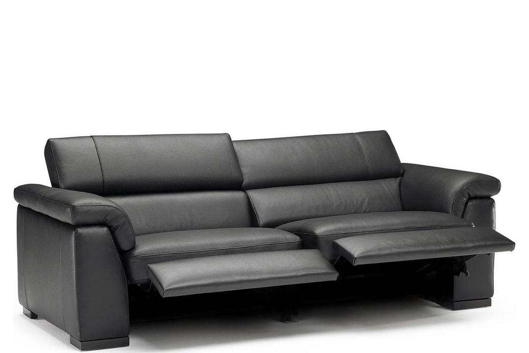 B634 Tommaso Large Leather Sofa With Two Manual Recliners