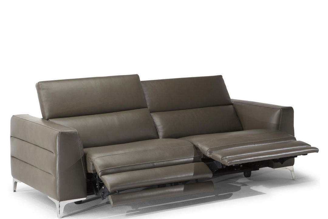 B979 Orgoglio Leather Sofa With Two Power Recliners 25TC