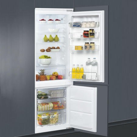 No Frost 6th Sense Fresh Control Integrated Fridge Freezer