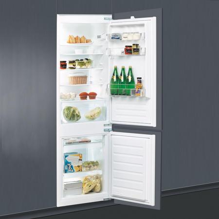70/30 Stop Frost Integrated Fridge Freezer