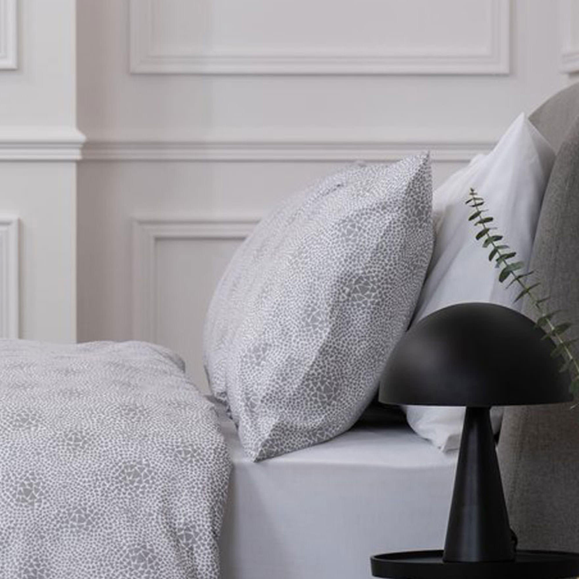 5617BROKENTRIANGLEPCMULTI: Broken Triangle Pillowcase
