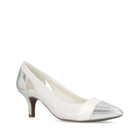 First Class Court Shoe
