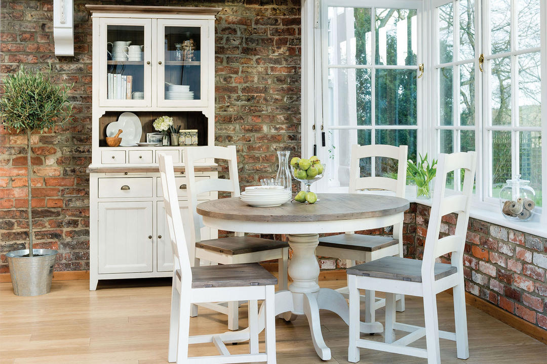 Cotswold Circular Dining Table